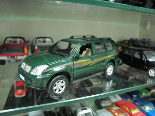 Toyota Land Cruiser Prado green pullback toy car 1/32 free ship