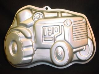 Wilton BIG TRACTOR cake pan bake mold tin Farmer Automobile Farm Auto