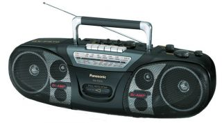 panasonic radio cassette player in Portable Audio & Headphones