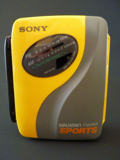 SONY SPORTS WM SXF30 Walkman Radio Cassette Player TESTED  See Photos
