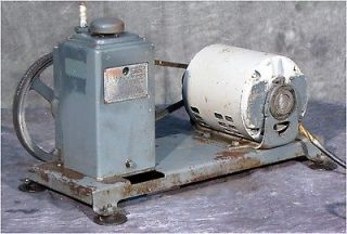 CENCO HYVAC 1 .35cfm DUAL STAGE BELT DRIVEN VACUUM PUMP 91105