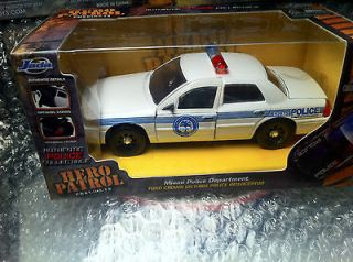 Jada Hero Patrol 132 Die Cast New In Package Miami Police Ford Crown