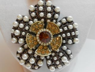 Betsey Johnson Iconic Autumn RARE Faux Pearl Topaz Flower Pendant