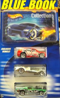 Hot Wheels 2002 Blue Book Collectors Guide with 3 Cars Set NOC
