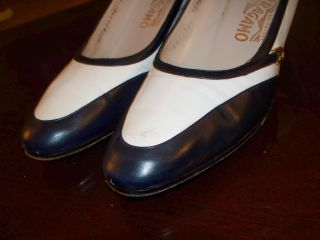 Ferragamo Blue White Two Tone Spectator Pumps 10AA