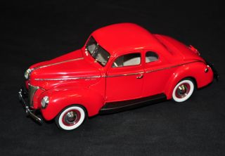 danbury mint 1940 ford deluxe coupe red 1 24 mib