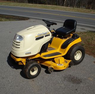 Cub Cadet LT1022 Riding Mower Lawn Tractor 22hp 46 deck 150hrs