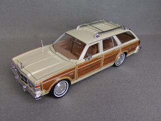 1979 Chrysler LeBaron Town & Country Wagon   Diecast Car Model   Cream