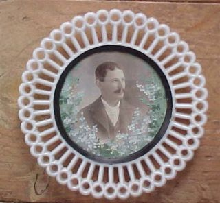 VICTORIAN HAND PAINTED MILK GLASS MOURNING PLATE WITH PHOTOGRAPH