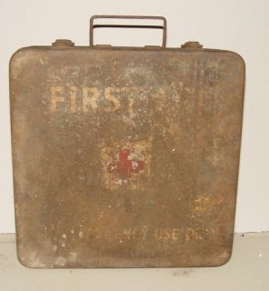 WW2 US Army First Aid Kit Metal Box