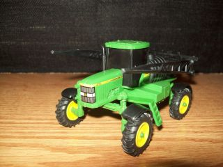 64 TRACTOR JOHN DEERE 4710 SELF PROPELLED SPRAYER FERTILIZER FARM TOY