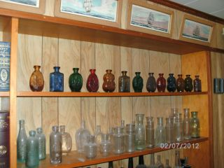 Franklin Mint Colonial Bottle Collection of 1975