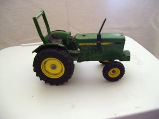 John Deere Toy Tractor by Ertl 1 16 in Scale