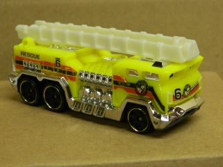 Hot Wheels Loose FIRE RESCUE FIRE TRUCK Yellow Near Mint Very Nice