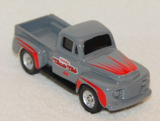 Speed Wheels Maisto 1 64 Scale 1948 Ford F 100 Pick Up Truck Case 13