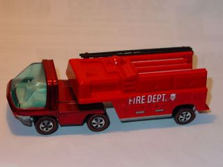 Hot Wheels Redline Heavyweights Fire Truck Red Spectraflame Nice