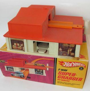 1968 VINTAGE MATTEL HOT WHEELS REDLINE SUPER CHARGER IN ORIGINAL BOX
