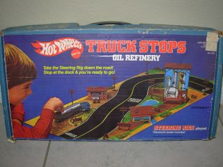 Hotwheels Steering Rigs Truck Co Truck Stops Oil Refinery Play Set